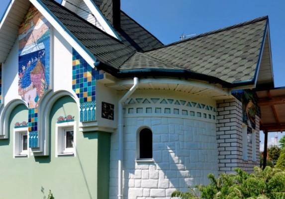 Керамический фасад в русском стиле
