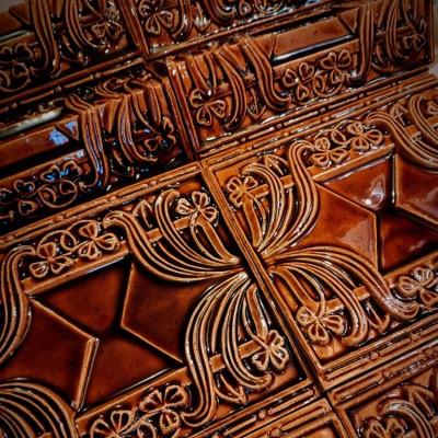 Необыкновенно красивые рельефные изразцы — реплики старинных изразцов предприятий Мейсена конца XIX- начала XX века