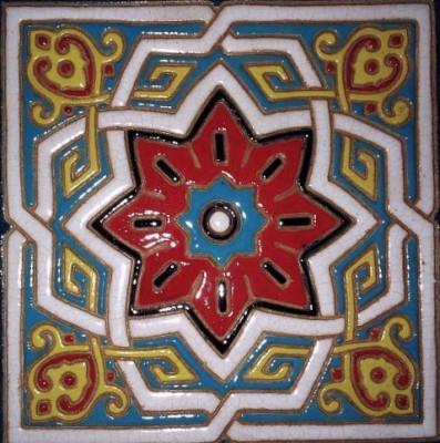 Мавританский изразцовый камин