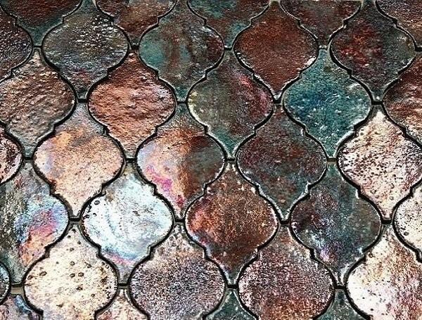 Керамическая мозаика с эффектом металлизированной поверхности