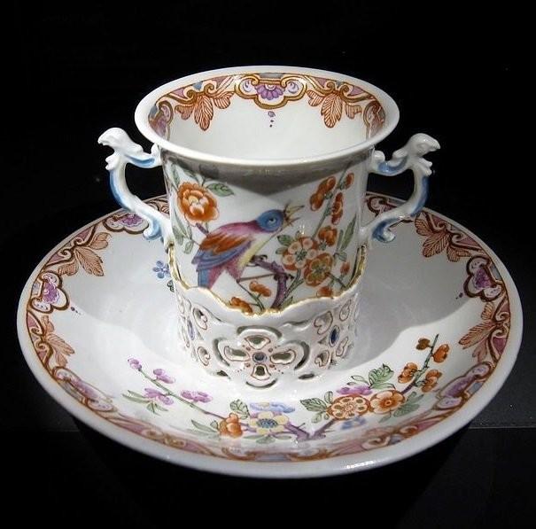 Чайная пара в стиле шинуазри Венской фарфоровой мануфактуры. 1730 год