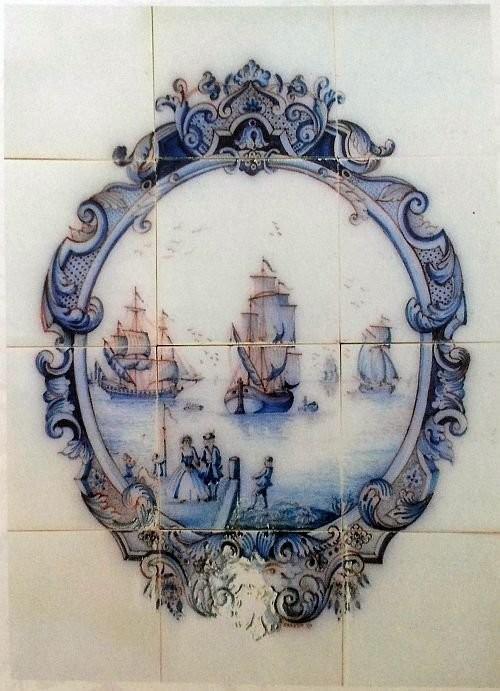 Голландское керамическое панно в стиле барокко с кораблем. 1637 год