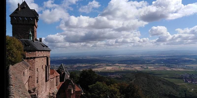 Вид на Эльзасскую долину из замка Верхний Кёнигсбург