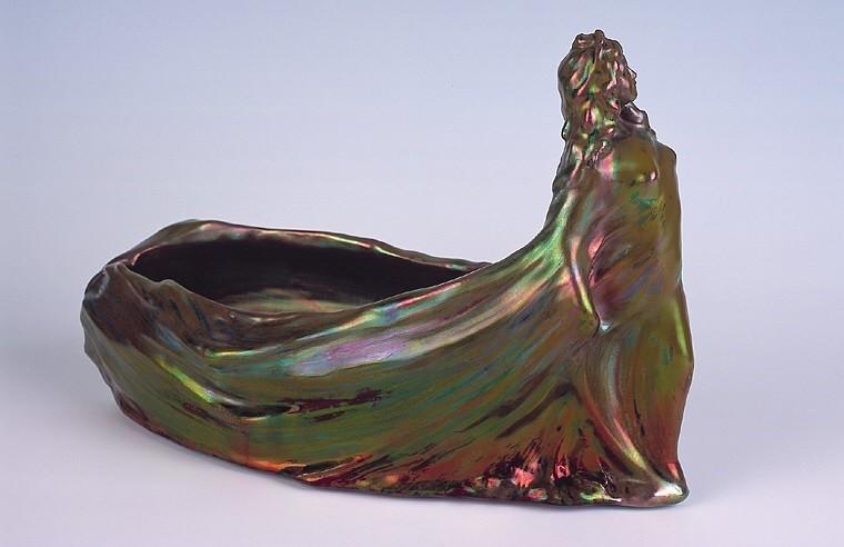 Люстрированная ваза мастерской Клемана Массье