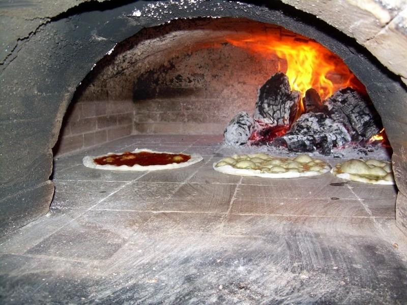 Классическая печка для пиццы