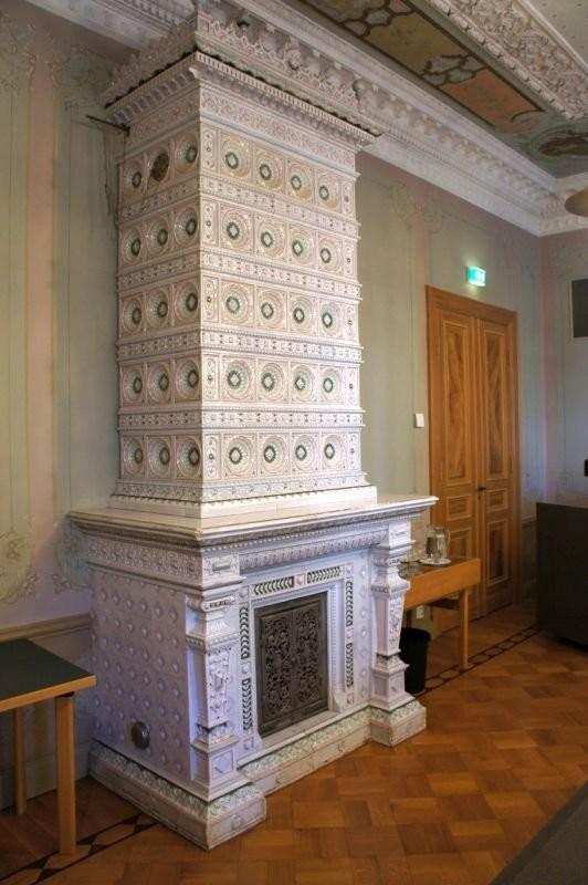 Печь во дворце Юннелиуса в Пори завода Або
