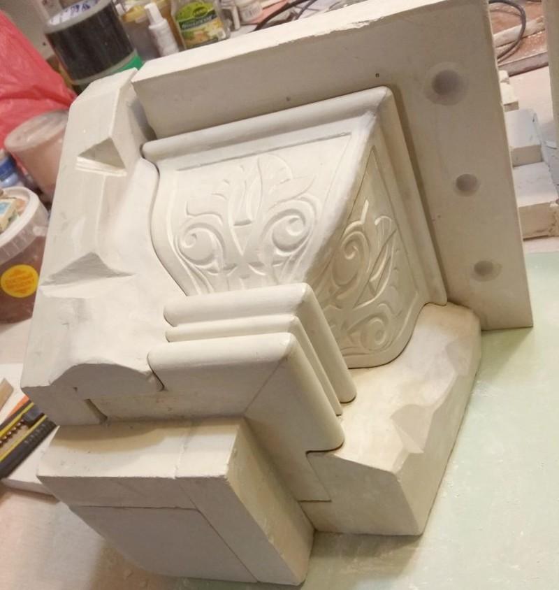 Гипсомодельные работы: изготовление формы для угловой капители