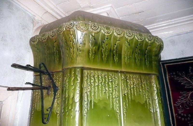 Изразцовые печи в доме на Печи в доме на ул. Бусалова в Лахденпохья Ракколаниокского гончарного завода. 1913