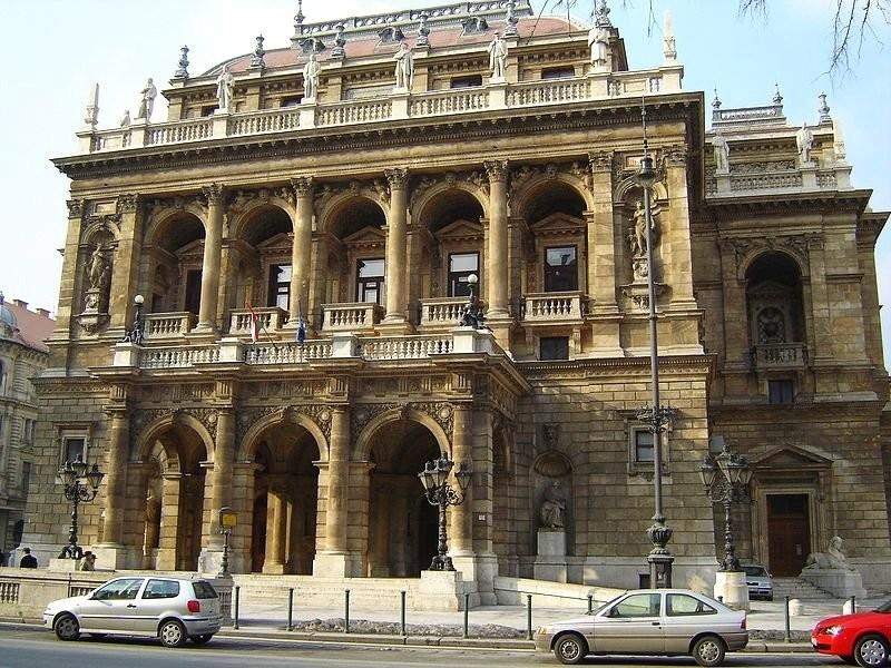 Венгерский государственный оперный театр в стиле неоренессанс