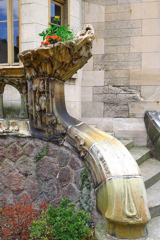 Керамический декор Александра Биго на вилле Мажорель в Нанси