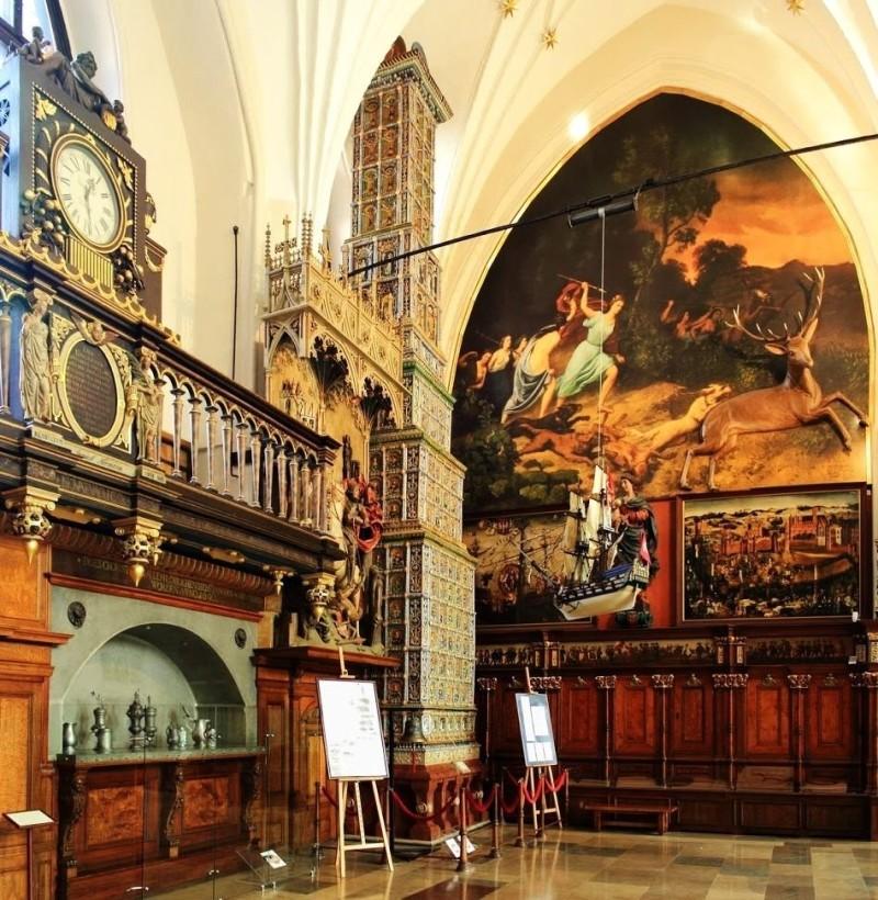Двенадцатиметровая Королевская Печь в суде Артуса