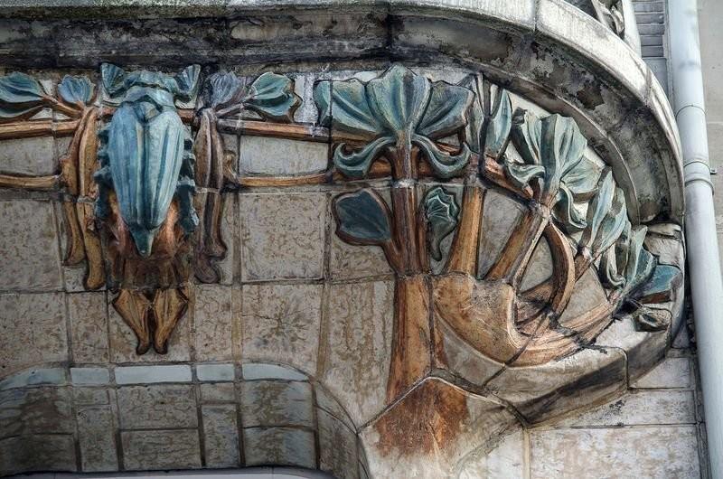 Керамический рельеф дома на Авеню Ваграм. Жюль Лавиротт. Арт-Нуво
