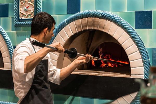 Бирюзовая изразцовая печь