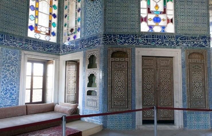 Багдадский павильон дворца Топкапы, облицованный изникской плиткой