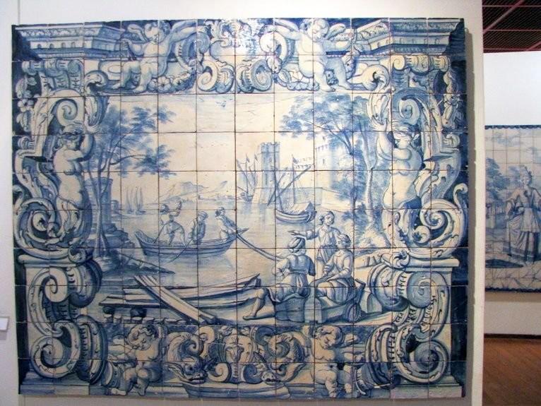 Средневековые азулежу из собрания музея