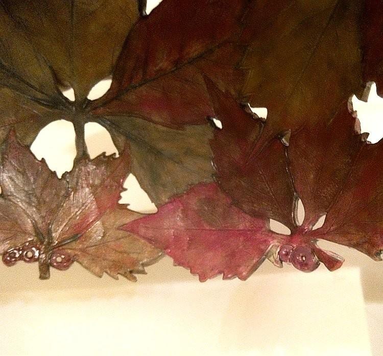 Керамический светильник Елены Зайченко с диким виноградом